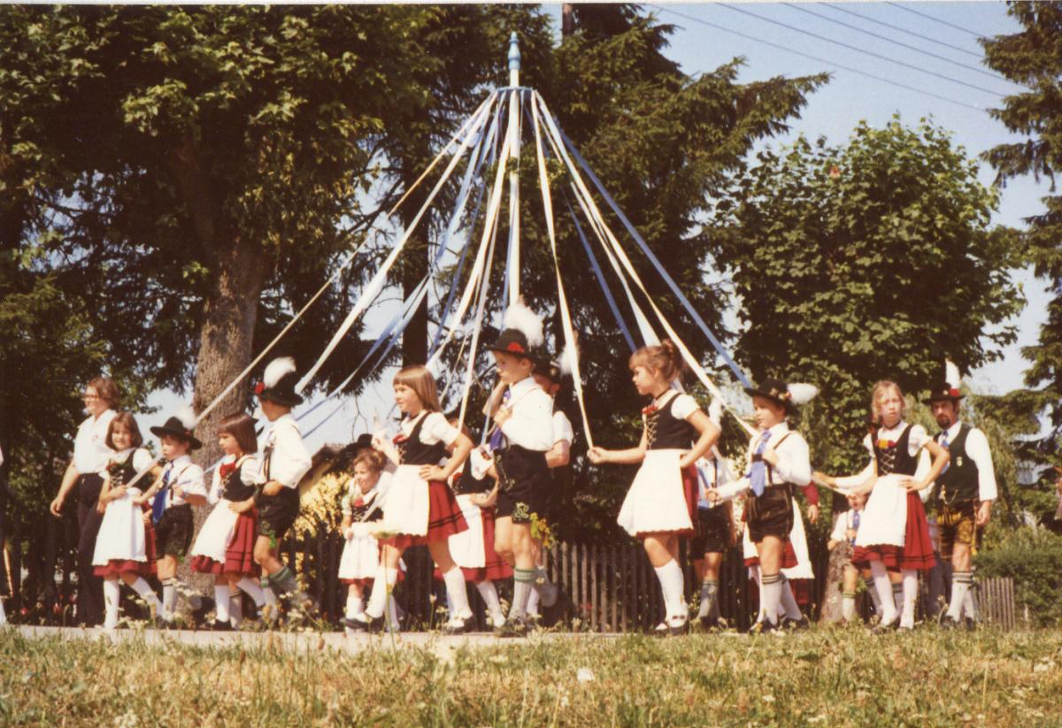 Bandltanz (1976)